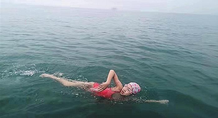 廣州9歲女生成功橫渡瓊州海峽