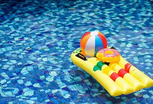 """掌握這些技巧 選安全衛生的遊泳館""""清涼一夏"""""""