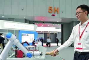 廣東佛山:制造樹立中國産業地標 央視《對話》聚焦轉型升級