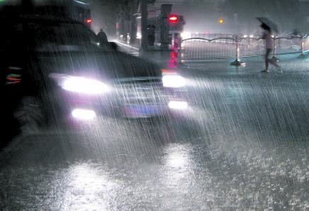 強對流天氣藍色預警 蘇皖魯粵等7省有8-10級雷暴大風或冰雹