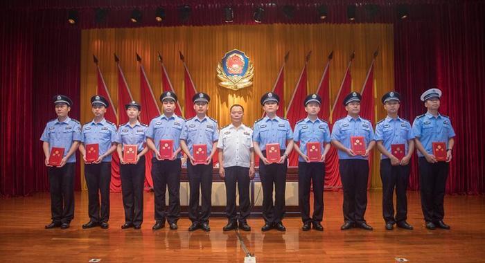 廣東中山警方展開夏季大練兵