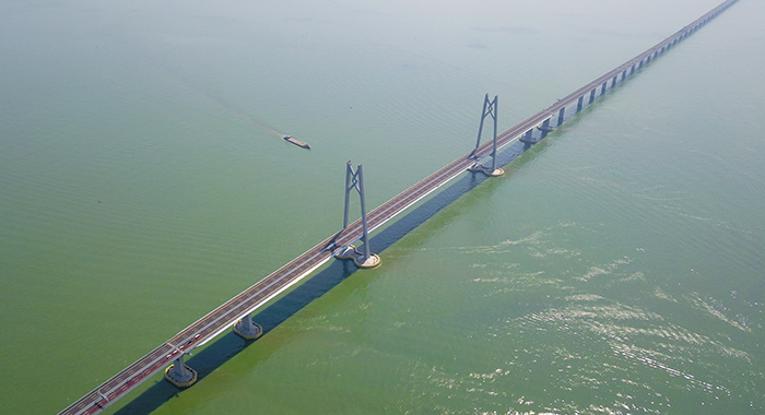 港珠澳大橋工程師閆禹:十年青春見證超級工程將碧波化作通途