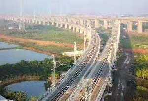 梅汕鐵路試運行 梅州到廣州縮短至3個多小時