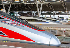 國慶節頭三天廣鐵運客664萬人