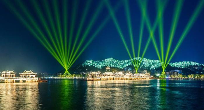 廣東潮州:廣濟橋燈光秀