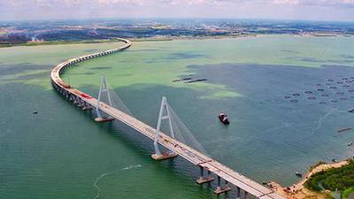 東雷高速公路通明海特大橋右幅貫通