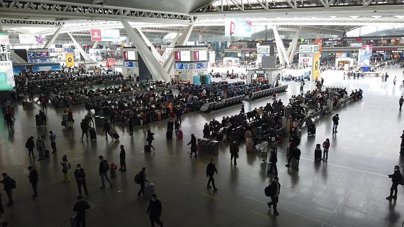 """春運首日見聞:廣州南站不再""""人山人海"""""""
