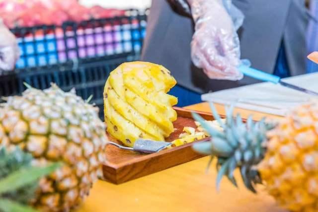 廣東菠蘿甜蜜中國行首站火熱來襲!市民直呼:買了買了